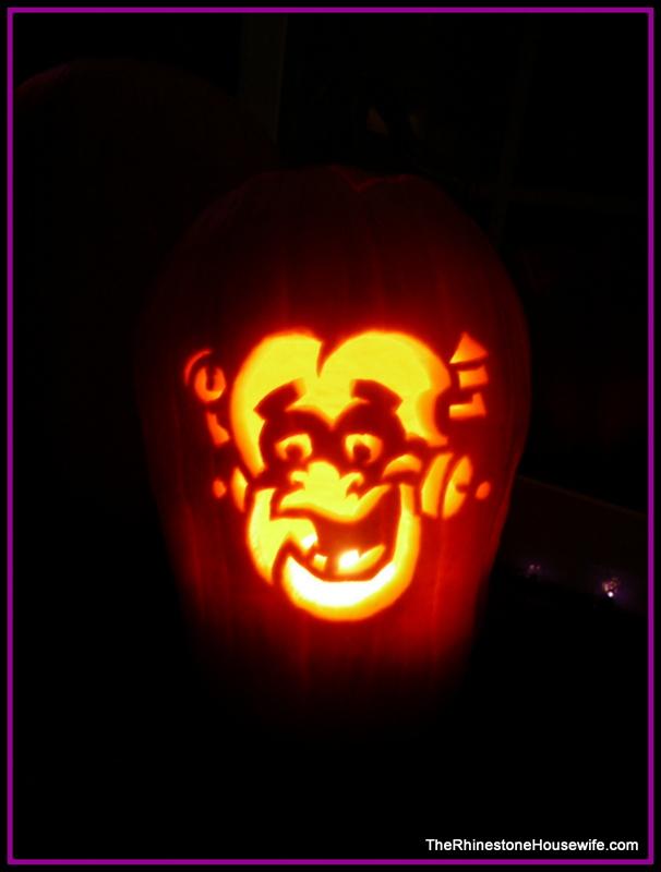Halloween jack o lantern carves hottie mcnaughty